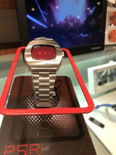 ハミルトン伝説の腕時計、あの赤いLED「パルサー」が復刻。